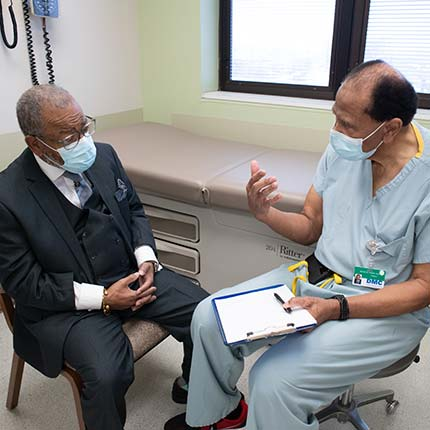 bariatric doctor talking to patient